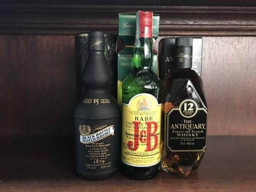 Lot 4-BLACK BOTTLE AGED 15 YEARS Blended Scotch Whisky...