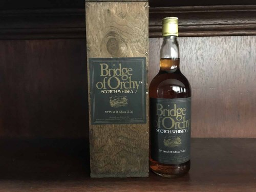 Lot 5-BRIDGE OF ORCHY Blended Scotch Whisky 26 2/3...
