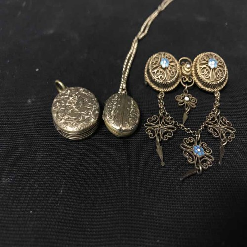 Lot 12-BROOCH AND TWO LOCKETS one of the lockets on...