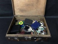 Lot 20-LOT OF COSTUME JEWELLERY including agates and...