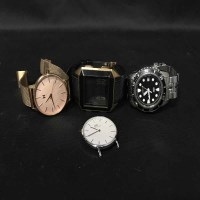 Lot 41-LOT OF GENTLEMAN'S AND LADY'S WRIST WATCHES...