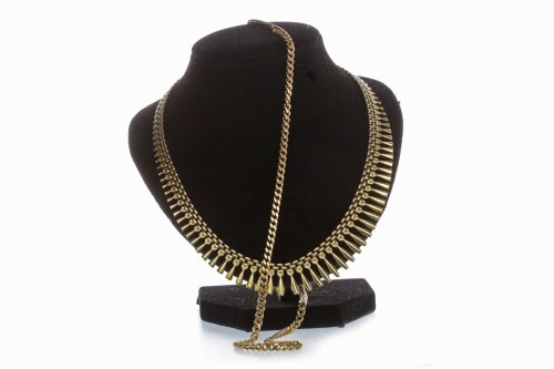 Lot 520-CHAIN NECKLET formed by ornate tapered drops...