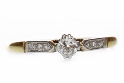 Lot 524-EARLY TWENTIETH CENTURY DIAMOND SOLITAIRE RING...