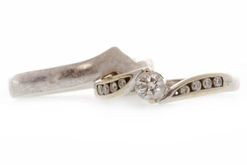 Lot 532 - EIGHTEEN CARAT WHITE GOLD DIAMOND RING set...