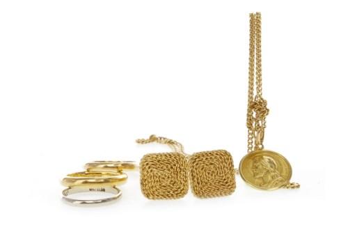 Lot 539 - TWENTY TWO CARAT GOLD WEDDING BAND size J-K, 6....