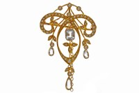 Lot 714 - EDWARDIAN GOLD BLUE GEM AND SEED PEARL BROOCH...