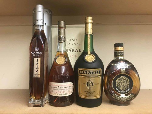 Lot 8-JANNEAU VSOP Grand Armagnac 70cl, 40% volume, in...