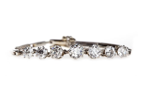 Lot 2-IMPRESSIVE EDWARDIAN DIAMOND BRACELET set with...