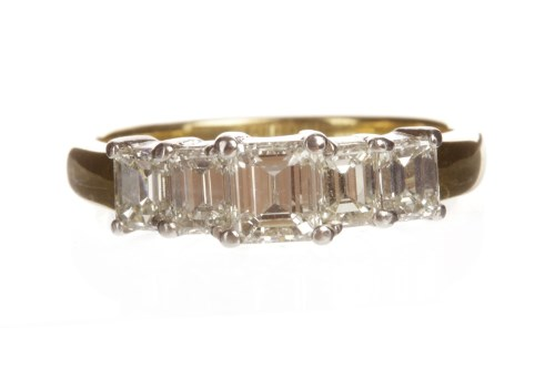 Lot 14-DIAMOND FIVE STONE RING set with graduated...