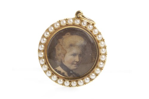 Lot 50-LATE VICTORIAN PHOTOGRAPH PORTRAIT PENDANT of...