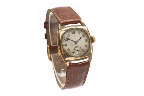 Lot 788-GENTLEMAN'S 1940S NINE CARAT GOLD MANUAL WIND...