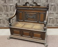 Lot 1631-LATE VICTORIAN OAK HALL SETTLE the back with swan ...