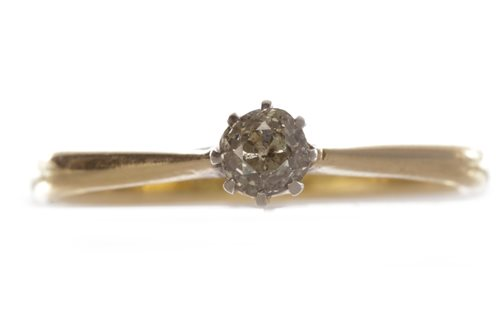 Lot 200-A DIAMOND SOLITAIRE RING
