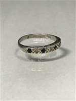 Lot 29-A DIAMOND AND BLUE GEM SET RING