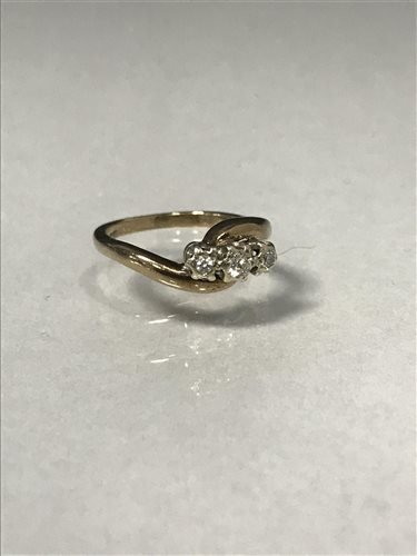 Lot 57-A DIAMOND THREE STONE RING