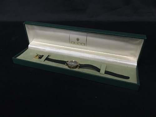 Lot 10-A GUCCI QUARTZ WATCH