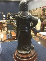 Lot 958-A CHINESE CADOGAN TYPE WINE POT AND A WARRIOR FIGURE
