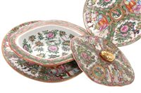 Lot 963-A CANTON FAMILLE ROSE DINNER SERVICE