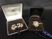 Lot 47-A PEARL CLUSTER RING AND PAIR OF EARRINGS
