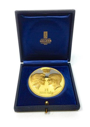 Lot 538-A KONINKLUKE BEGEER VOORSCHOTEN GOLD COIN