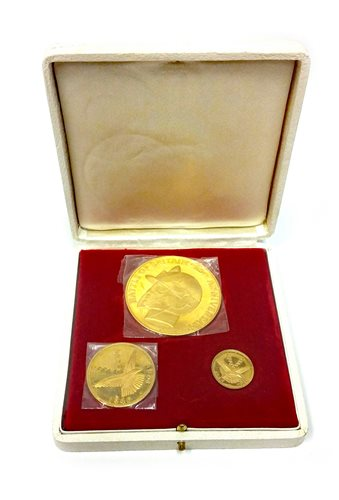 Lot 537-A BATTLE OF BRITAIN THREE GOLD COIN SET