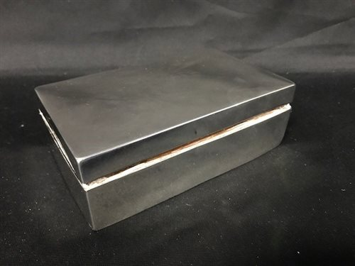 Lot 2-A SILVER CIGARETTE CASE
