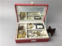 Lot 1-A COLLECTION OF JEWELLERY
