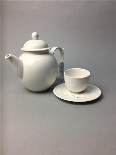 Lot 5-A VILLEROY & BOCH TEA SERVICE