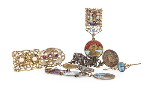 Lot 1808-A LOT OF TWO SMALL MUMMIFORM COFFIN CHARMS AND OTHER JEWELLERY