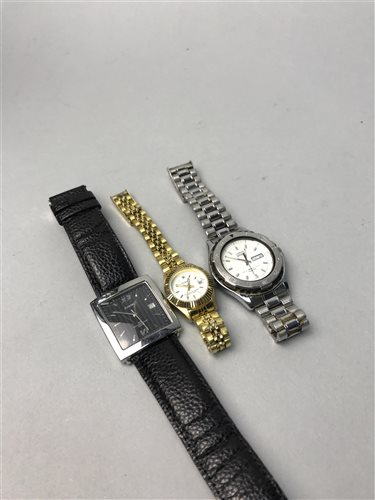 Lot 14-A LOT OF WRIST WATCHES