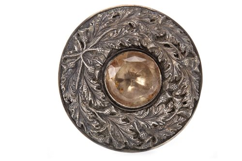Lot 905-MILITARY INTEREST - A LARGE SCOTTISH BROOCH