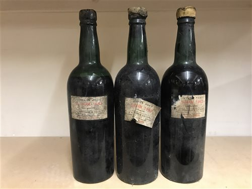 Lot 13-SIX BOTTLES OF PORT