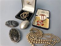 Lot 1-A LOT OF SCOTTISH VICTORIAN AND OTHER JEWELLERY
