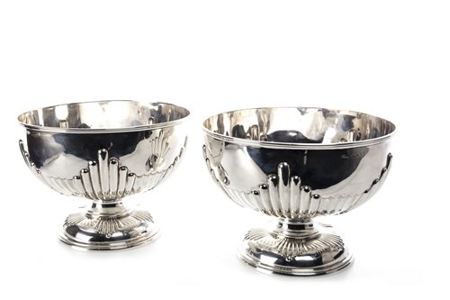 Lot 823 - A PAIR OF VICTORIAN SILVER PEDESTAL BOWLS