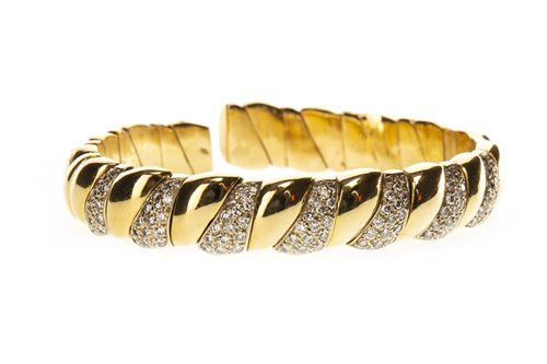 Lot 25-A DIAMOND SET CUFF