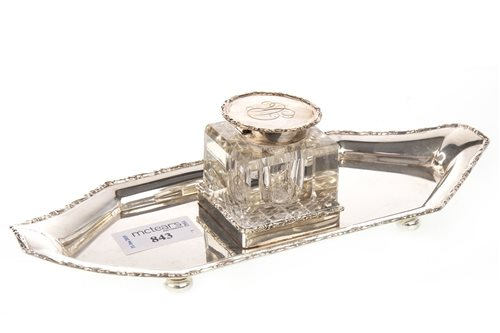 Lot 843 - AN EDWARDIAN SILVER INK STAND