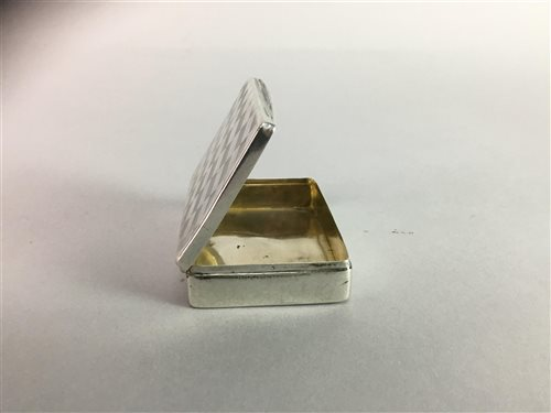 Lot 14-A GERMAN ART DECO SILVER SNUFF BOX