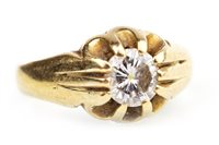 Lot 135 - A VICTORIAN STYLE DIAMOND RING