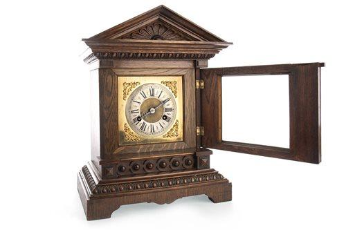 Lot 1428-A VICTORIAN MANTEL CLOCK