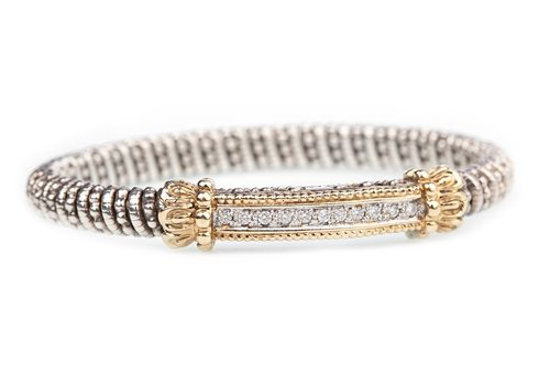 Lot 3-A DIAMOND SET BI COLOUR BANGLE