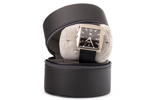 Lot 772-A GENTLEMAN'S TAG HEUER PROFESSIONAL GOLF WRIST WATCH