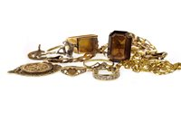 Lot 40-A GROUP OF JEWELLERY