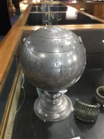 Lot 907 - AN EARLY 20TH CENTURY CHINESE PEWTER CADDY AND ANOTHER