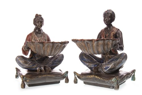Lot 900 - A PAIR OF 20TH CENTURY BRONZE FIGURES