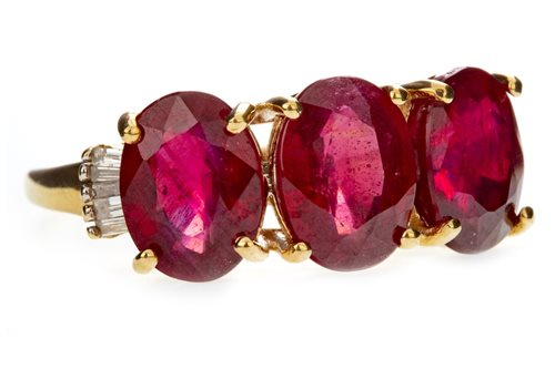 Lot 28-A RUBY AND DIAMOND DRESS RING
