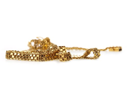 Lot 17-A GOLD CHAIN NECKLACE
