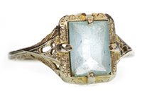 Lot 22-AN EARLY TWENTIETH CENTURY BLUE GEM SET RING