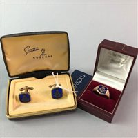 Lot 13-A GOLD MASONIC SIGNET RING AND A PAIR OF CUFFLINKS