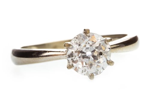 Lot 20-A DIAMOND SOLITAIRE RING