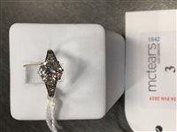 Lot 3-AN ART DECO DIAMOND SOLITAIRE RING